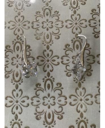 Costume jewellery-earrings